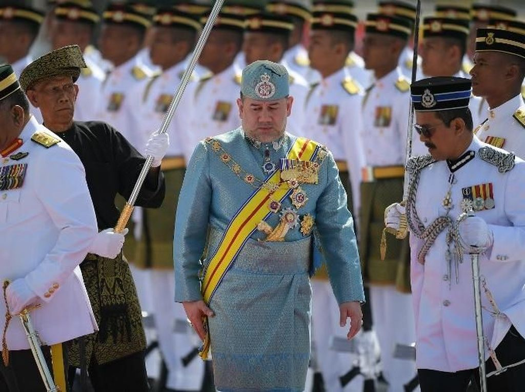 Sosok Yang di-Pertuan Agong yang Diisukan Akan Nikahi Putri Anwar