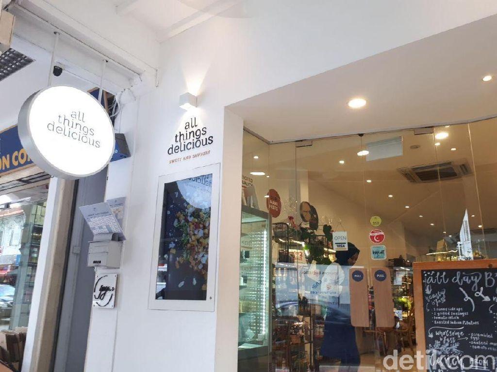 Enaknya Smoothies Bowl dan Gula Melaka Scone di Kafe Halal Singapura