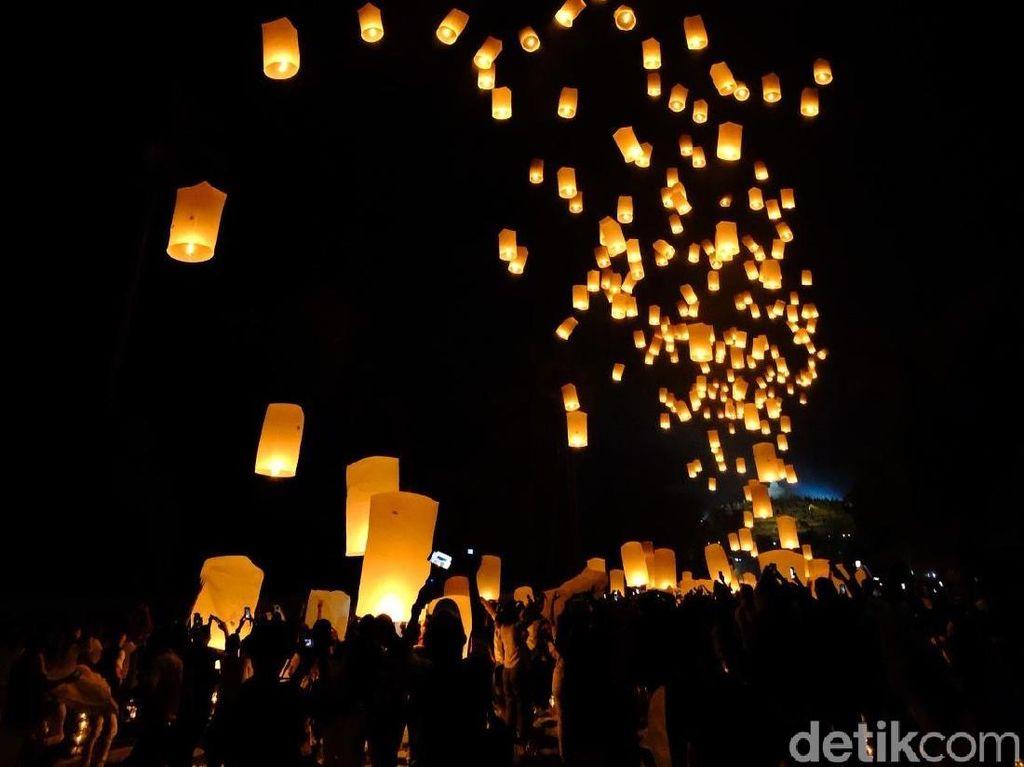Lampion Waisak Borobudur yang Indah dan Bikin Hati Damai