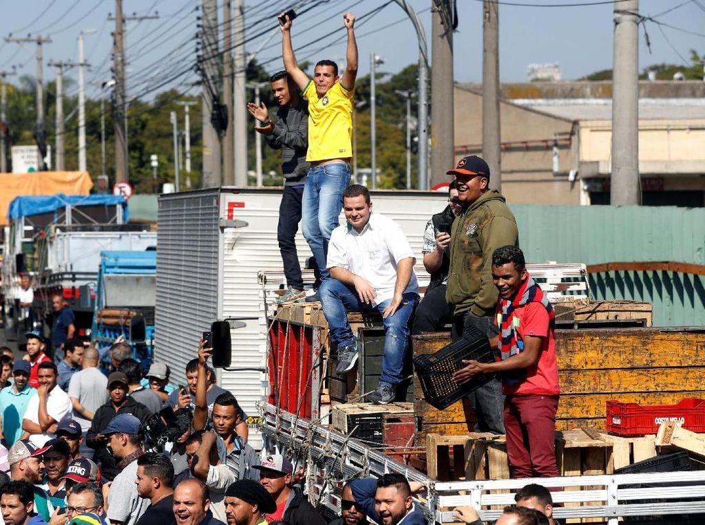 Harga Solar Naik, Supir Truk Demo Besar-Besaran di Brasil