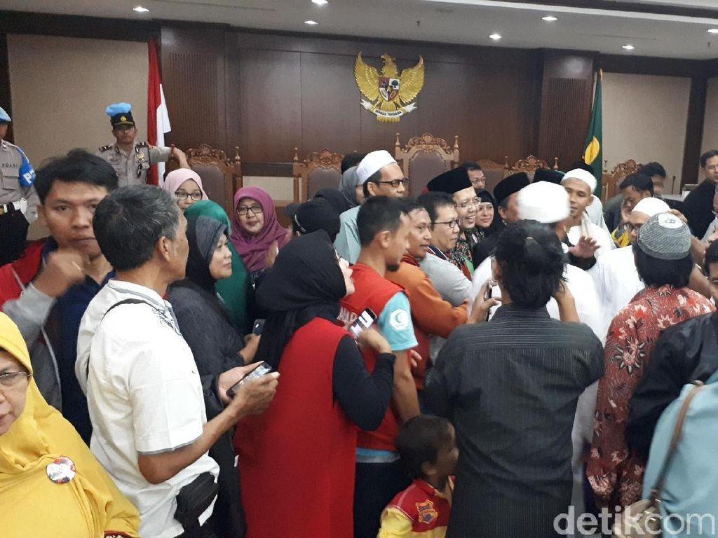 Berita Heboh: Vonis Bos First Travel, Alfian Tanjung Diputus Bebas