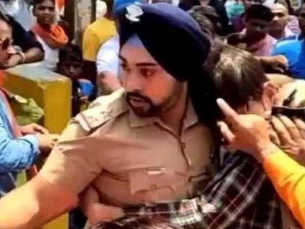 Selamatkan Pria Muslim dari Amukan Massa, Polisi India Diancam