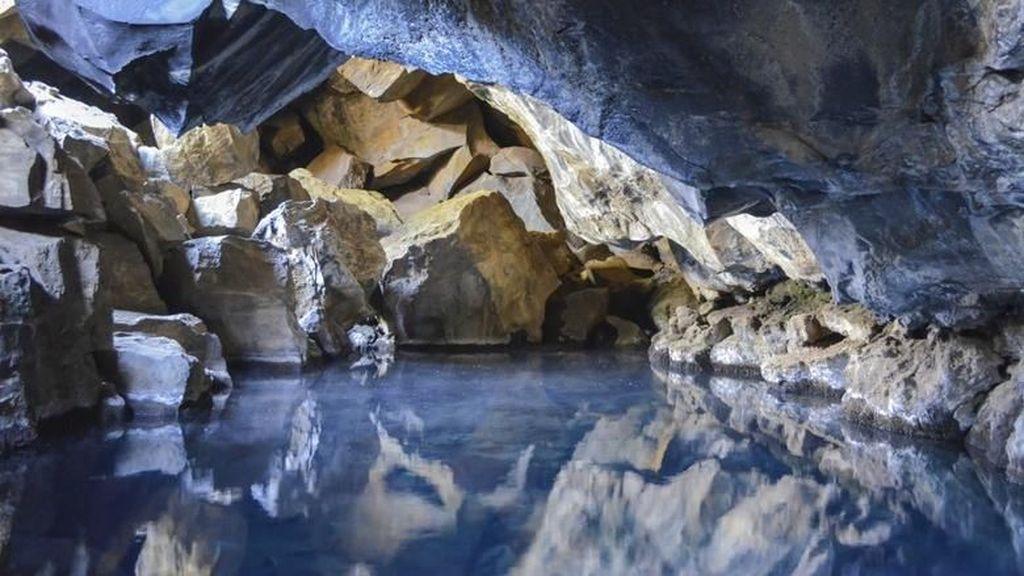Foto: Pemandian Air Panas dalam Gua Bisa Seindah Ini