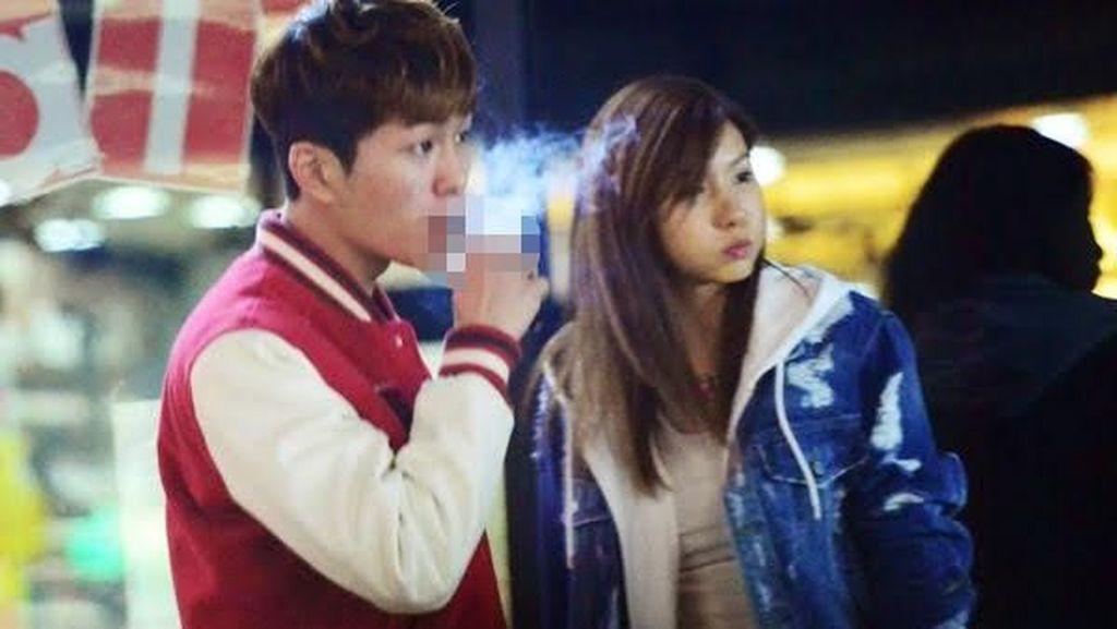 Deretan Artis Korea yang Pernah Bikin Heboh karena Terciduk Sedang Merokok