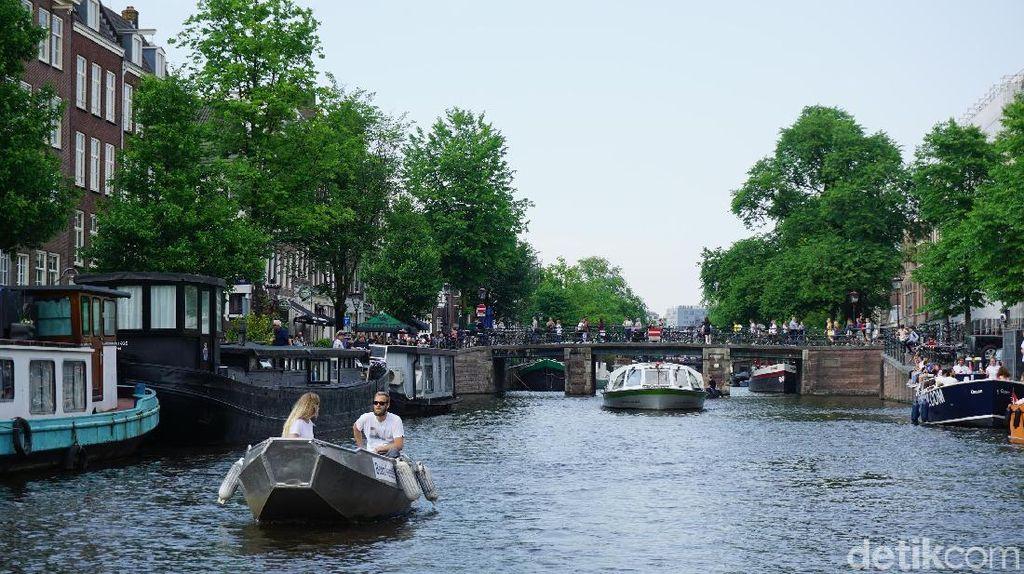 Foto: Kanal Amsterdam Bikin Jatuh Hati