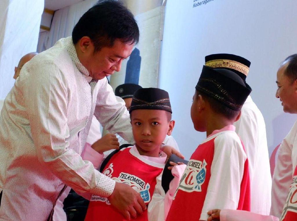 Telkomsel Safari Ramadan Sambangi Padang