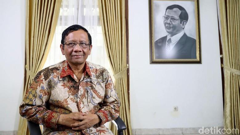 Detik-detik Mahfud Md Diminta Jadi Cawapres Jokowi Pagi Tadi