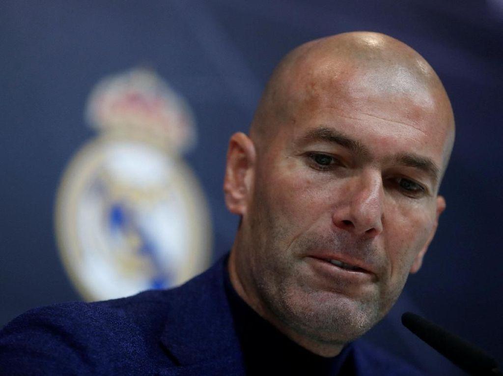 Perez Urut Kening dan Foto-foto Lain Saat Zidane Umumkan Mundur