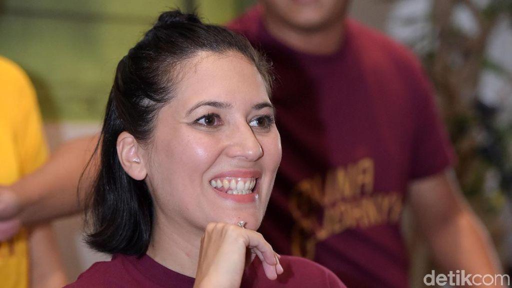 Senyum Riang Hannah Al Rashid untuk Film Aruna dan Lidahnya