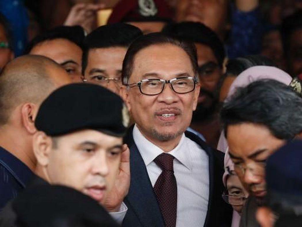 Anwar Ibrahim Maafkan Najib, Dukung Proses Hukum