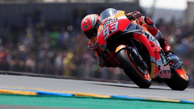 Marc Marquez meraih kemenangan di MotoGP Malaysia lewat perjuangan berat.