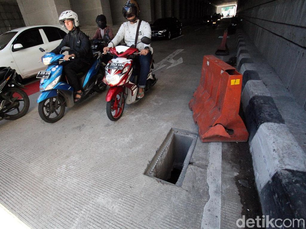 Polisi Selidiki Pencurian Besi Gorong-gorong Underpass Mampang