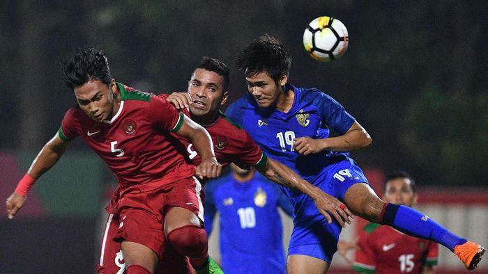 Duel Indonesia dengan Thailand di Piala AFF 2018. (Foto: Sigid Kurniawan/Antara Foto)
