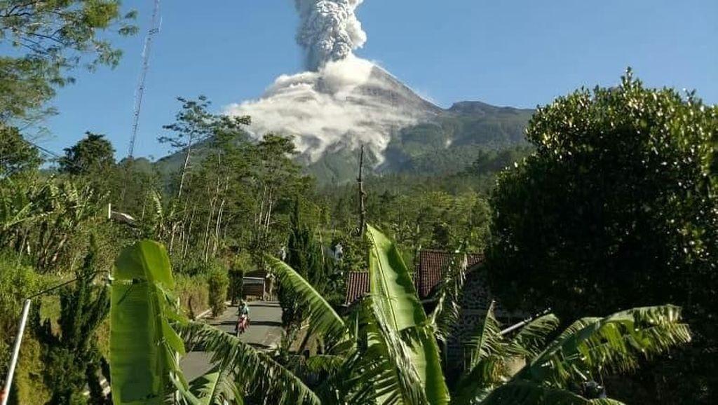 Foto: Erupsi Gunung Merapi Pagi Ini
