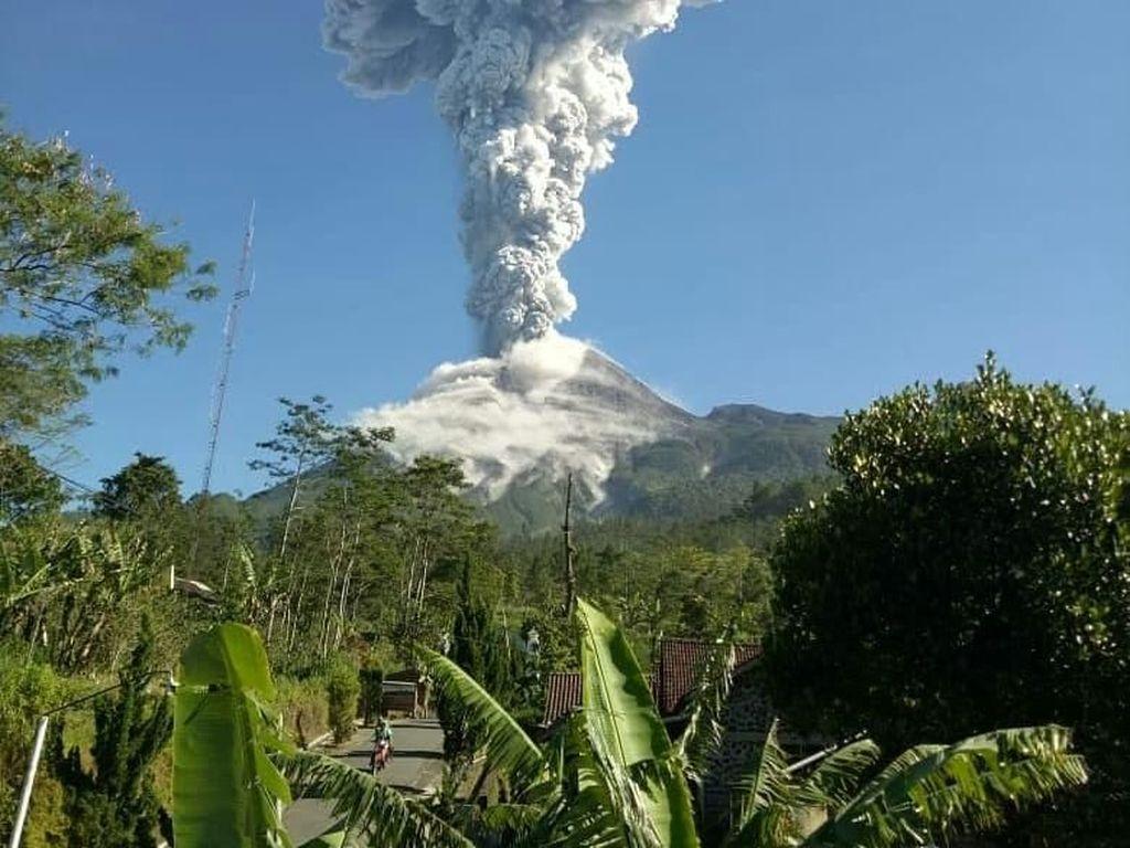Gunung Merapi Erupsi Lagi, Masyarakat Belum Perlu Mengungsi