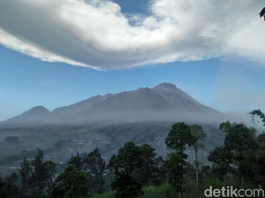 Gunung Merapi Erupsi Lagi Pukul 21.00 WIB