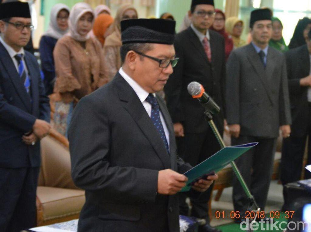 Fathul Wahid Dilantik Sebagai Rektor UII Periode 2018-2022