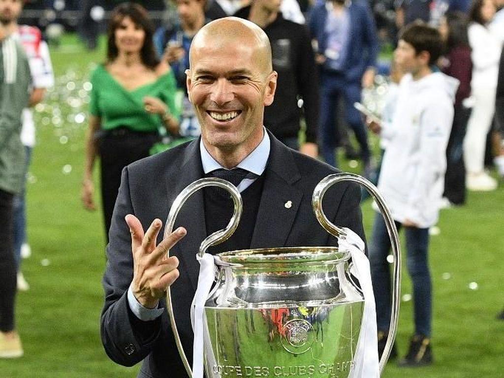 Zidane Lebih Berpotensi Latih Juventus Ketimbang MU