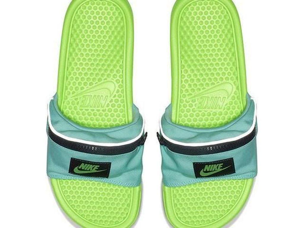 Nike Dikabarkan Segera Rilis Sandal Fanny Pack, Yay or Nay?