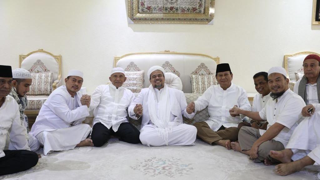 Momen Pertemuan Rizieq-Prabowo-Amien di Mekah