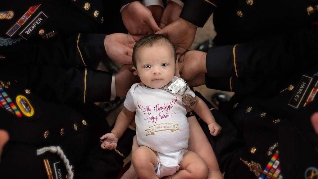 Ada Cerita Sedih di Balik Foto Bayi yang Memukau Netizen Ini