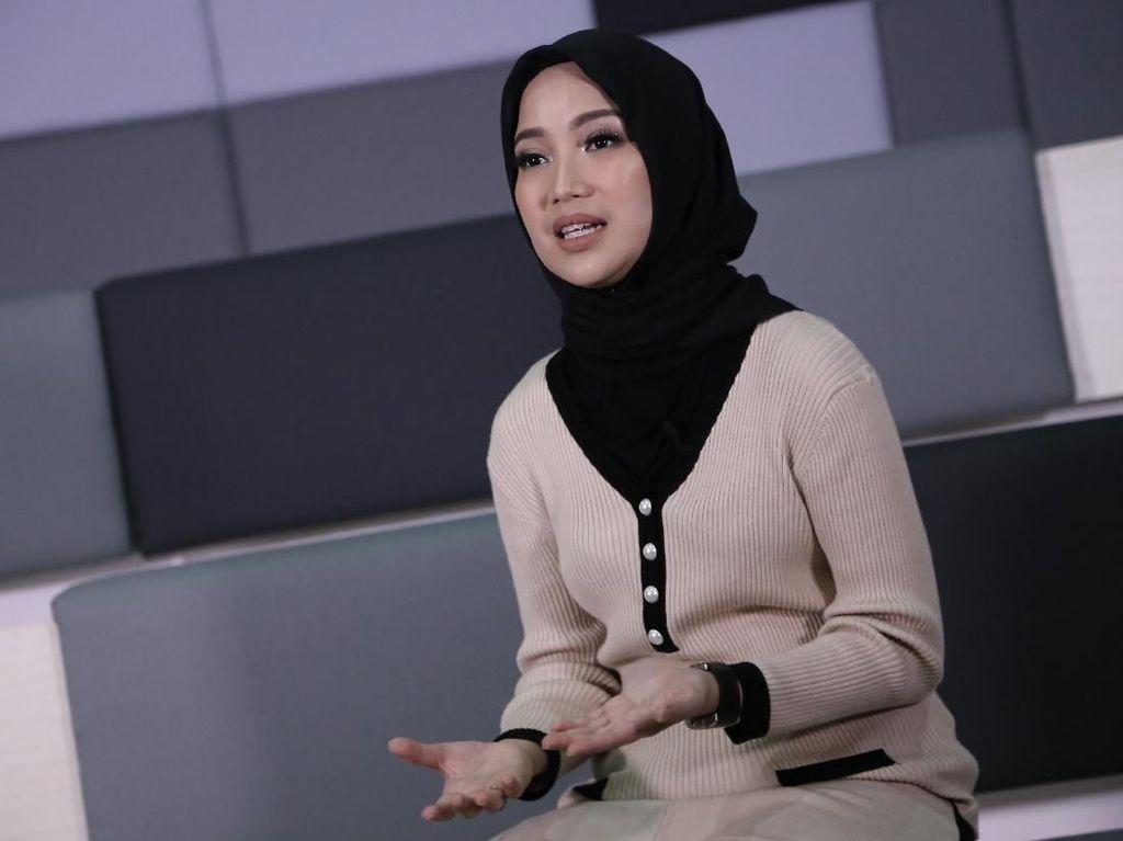 Hijab Bikin Chacha Frederica Lebih Tenang dan Terhormat