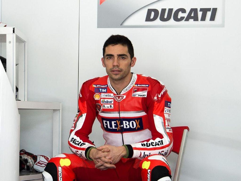 Usai Terpental dari Motornya, Michele Pirro Baik-Baik Saja