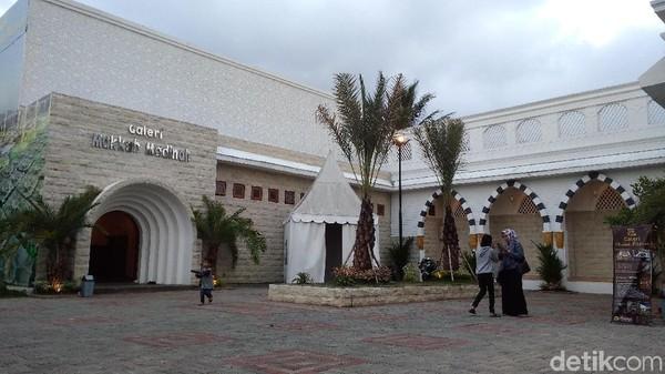 Ngabuburit Sambil Belajar Sejarah Islam Di Galeri Makkah