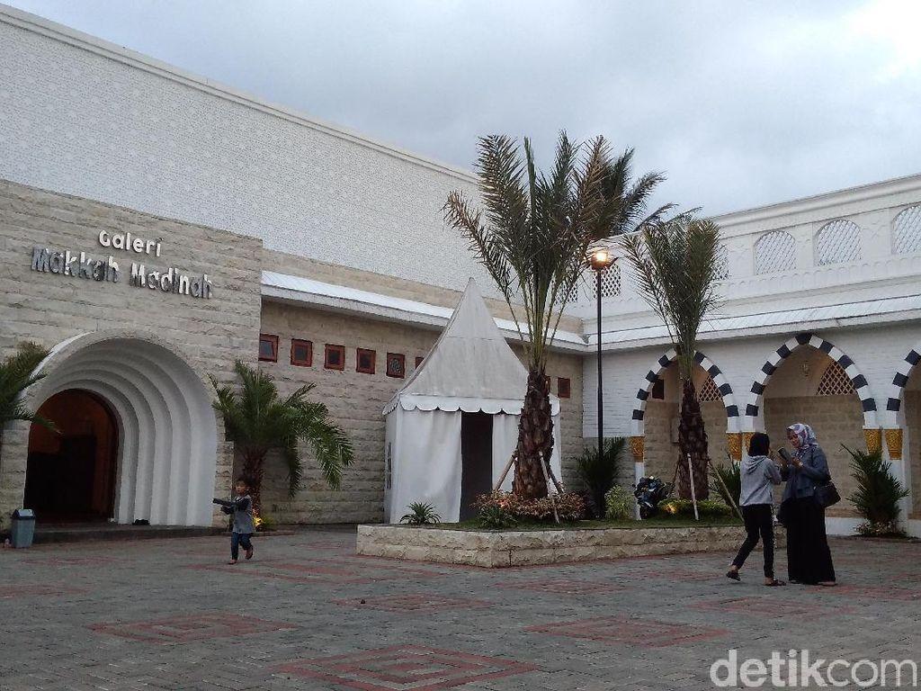 Ngabuburit Sambil Belajar Sejarah Islam di Galeri Makkah & Madinah