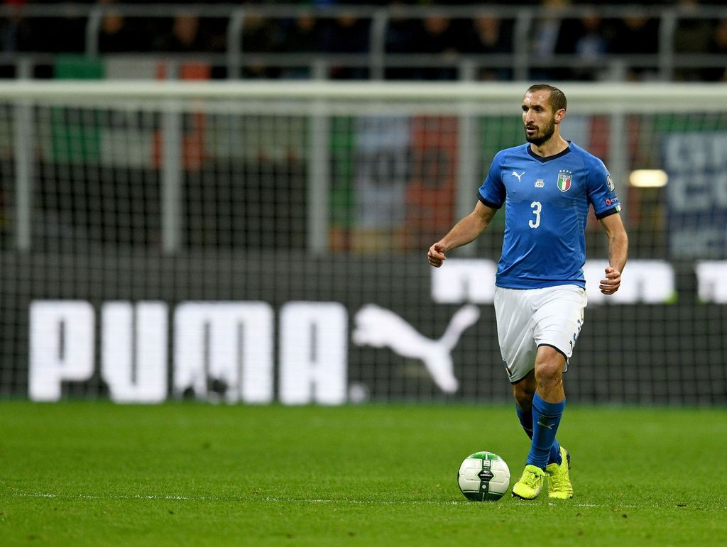 MILAN, ITALY - NOVEMBER 13:  Giorgio Chiellini of Italy #3 in action during the FIFA 2018 World Cup Qualifier Play-Off: Second Leg between Italy and Sweden at San Siro Stadium on November 13, 2017 in Milan, Italy.  (Photo by Claudio Villa/Getty Images)