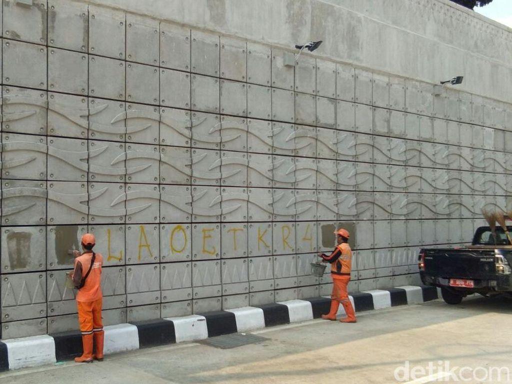 Polda Metro Bentuk Tim Buru Pelaku Vandalisme Underpass Mampang
