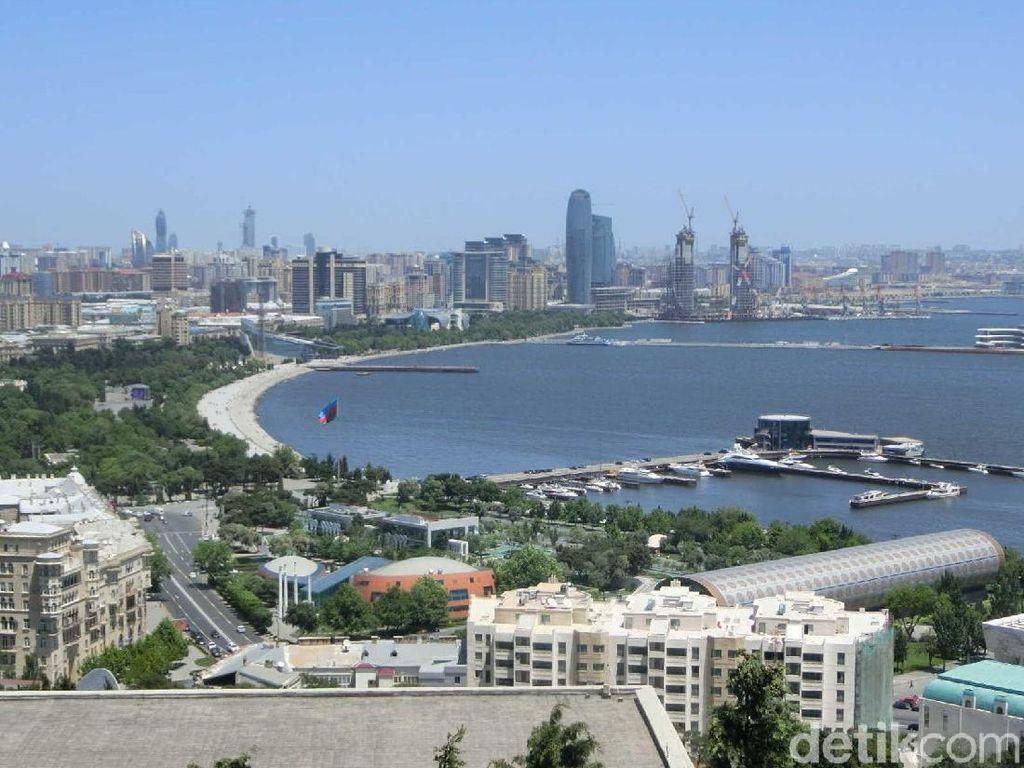 Ini Dia Baku, Ibu Kota Negara Api di Tepi Laut Kaspia