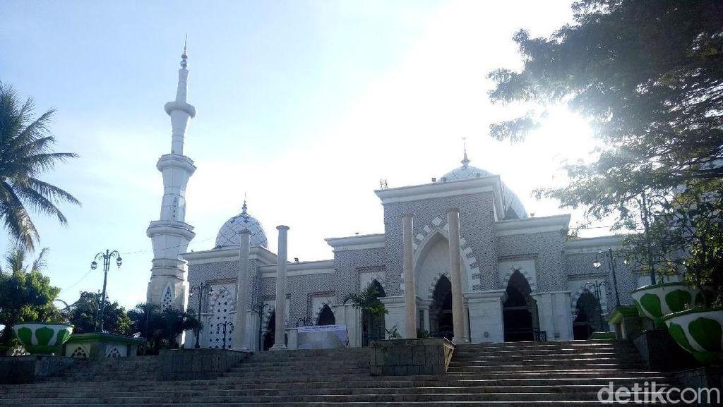 Foto: Masjid Megah Kebanggaan Warga Makassar