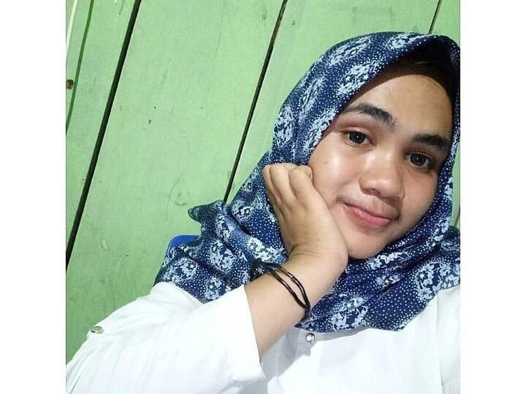 Remaja Cantik dari Maluku Ini Viral Karena Berkumis