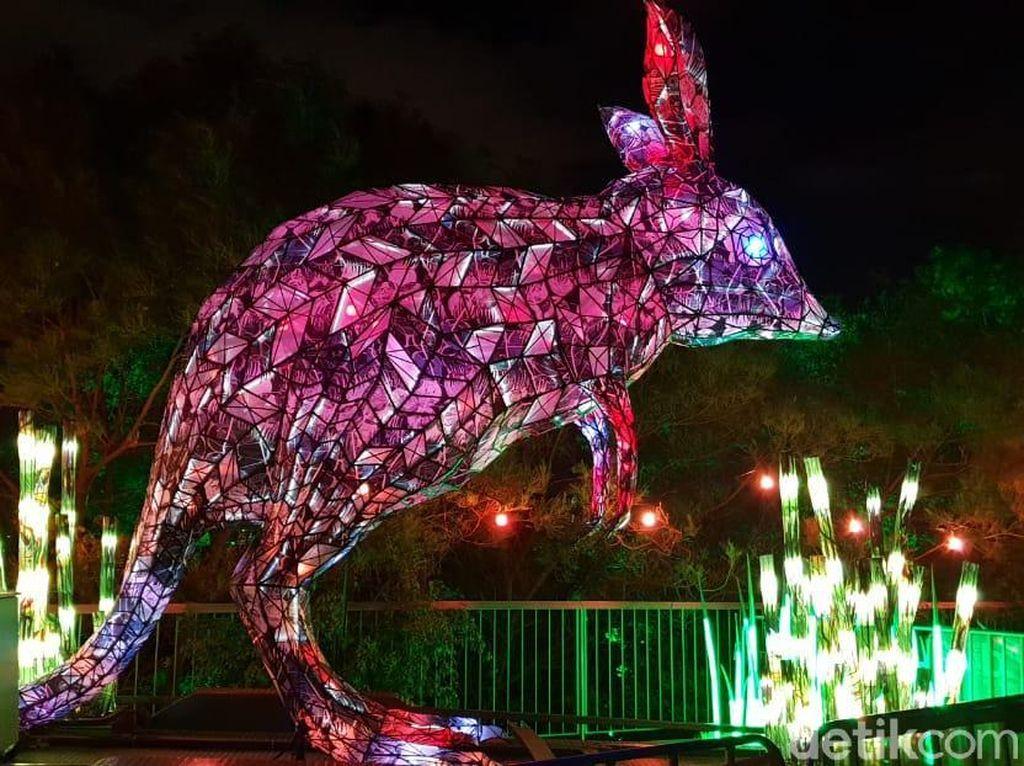 Foto: Begini Jadinya Kalau Kebun Binatang Bertabur Cahaya