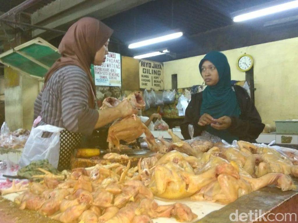 Kementan Klaim Daging Ayam Turun Jadi Rp 32 Ribu/Kg