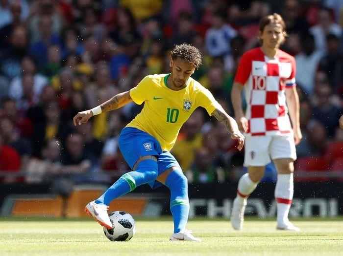 Luka Modric mengundang Neymar bergabung dengan Real Madrid (Andrew Boyers/Action Images via Reuters)