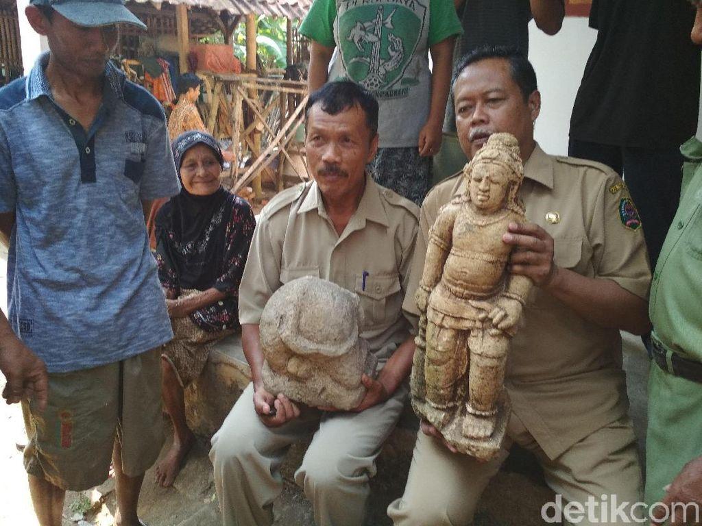 Selain Arca Dewa Brahma Ditemukan Tumpukan Batuan Mirip Candi