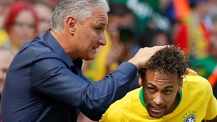 Tite bersama Neymar di Piala Dunia 2018 (Andrew Yates/Reuters)