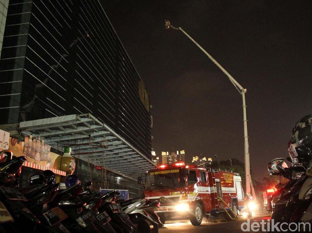 Penyebab Kebakaran di Gedung PRJ Masih Diselidiki
