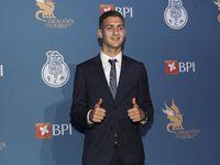 Bek Porto Dikabarkan Selesai Jalani Tes Medis di Manchester United