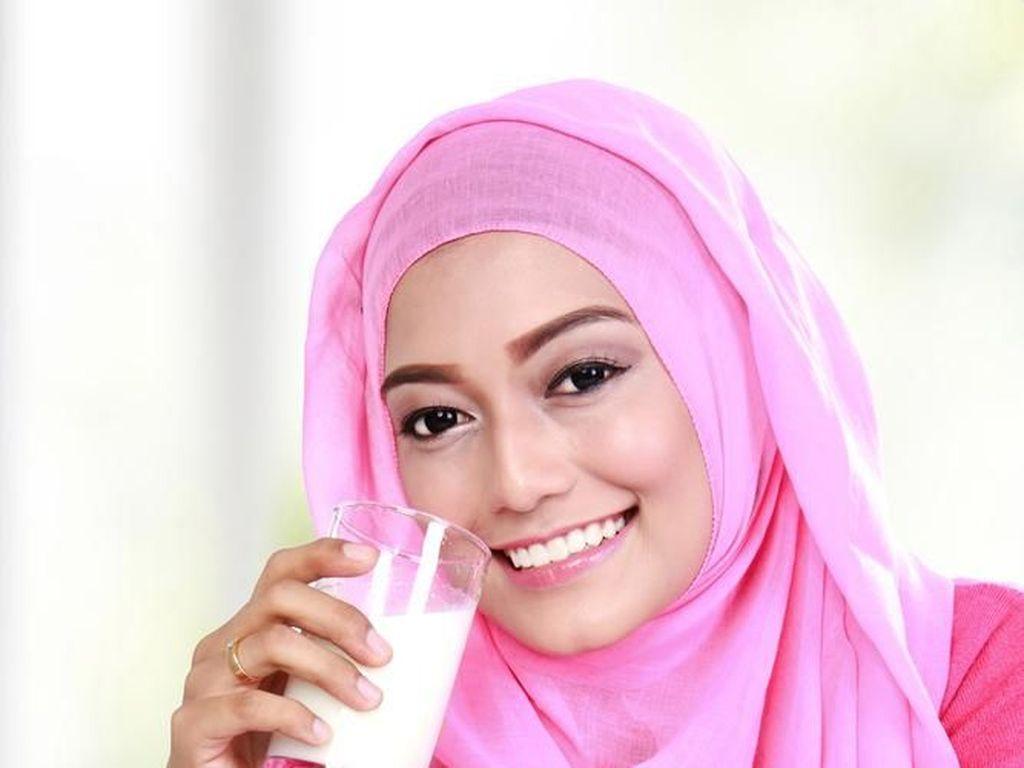 Pentingnya Minum Susu Saat Bulan Puasa