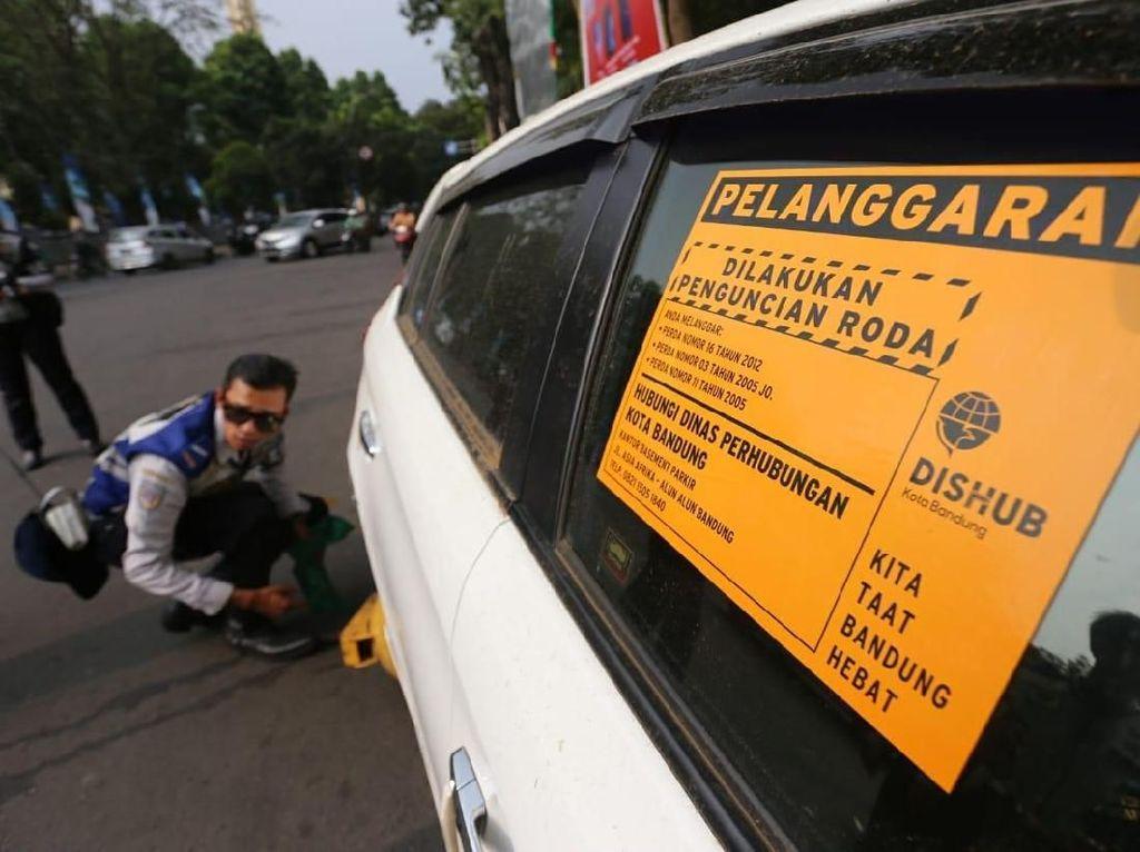 Ini Pelanggaran Mobil Toko yang Ditindak Aparat Bandung
