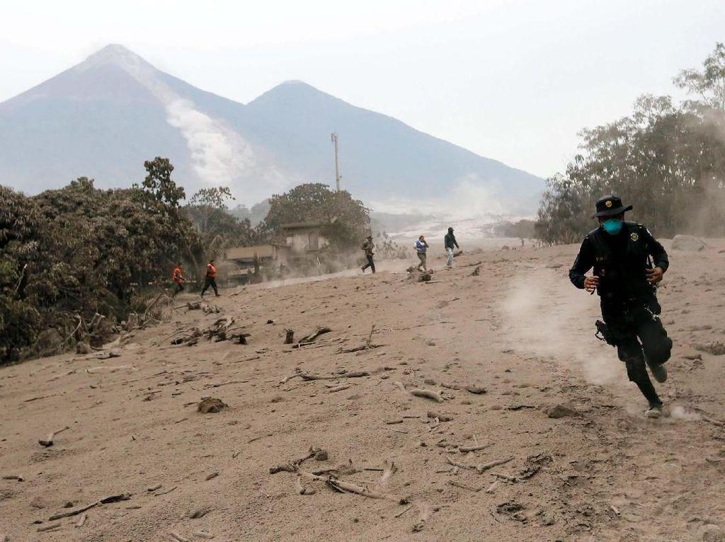 Video Kepanikan Warga saat Gunung Fuego Kembali Meletus
