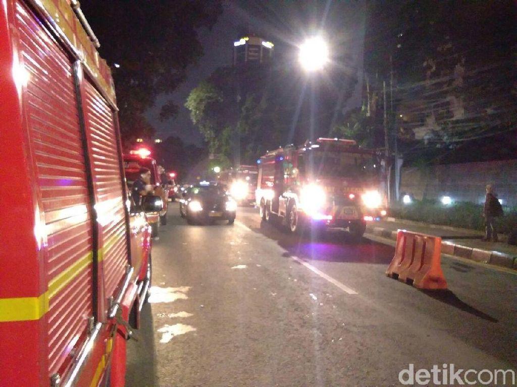 Kebakaran di Gedung Annex, Damkar Sisir Api yang Mengecil