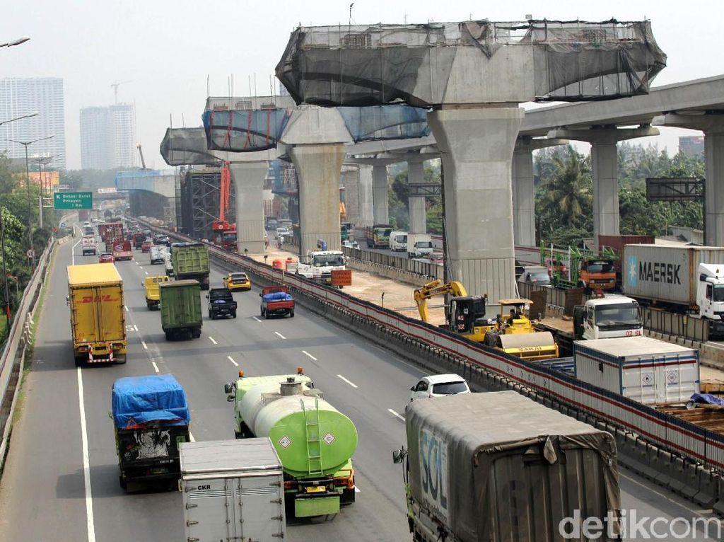H-10 Lebaran Proyek Tol Layang Jakarta-Cikampek Disetop