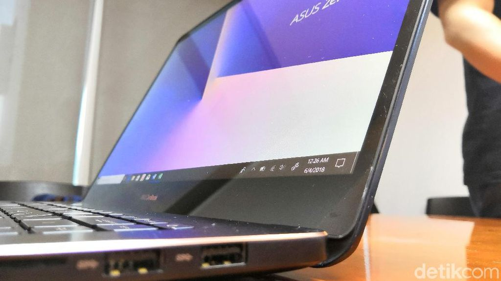 Zenbook Pro 15, Laptop dengan Touchpad ala Smartphone