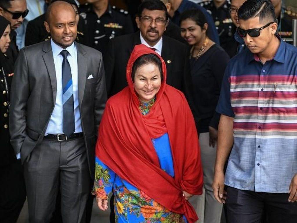 Detik-detik Istri Najib Razak Ditahan KPK Malaysia