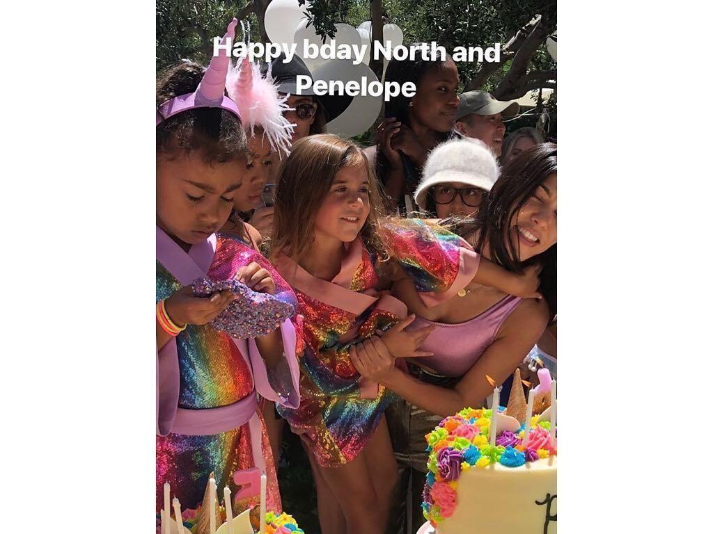Foto: Meriahnya Pesta Ulang Tahun Anak-anak Kardashian, Ada DJ dan Kuda