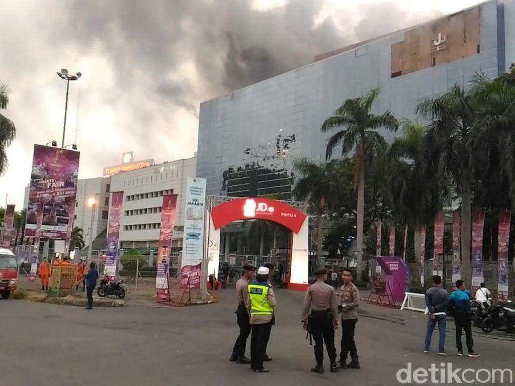 Kepanikan Pengunjung PRJ Saat Kebakaran